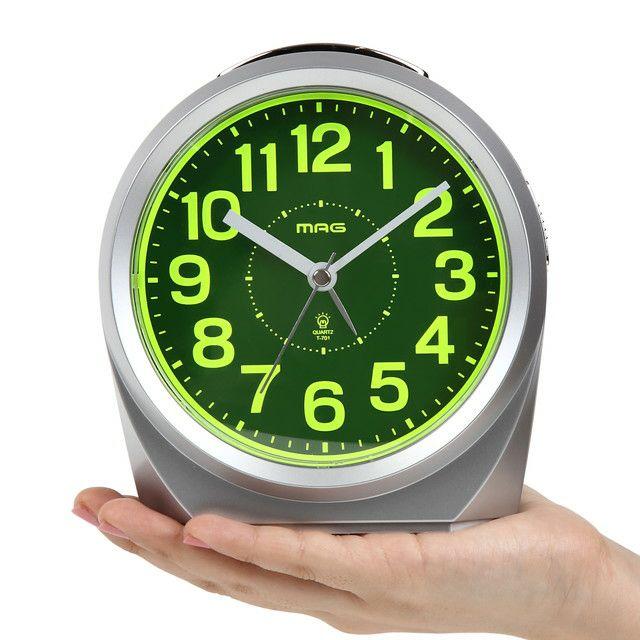 ≪メーカー直販≫ MAG(マグ) 置時計 目覚まし時計 ベル音 電子音 アラーム切替式 連続秒針 スイッチ―ズNEO T-701 銀シルバー 1台