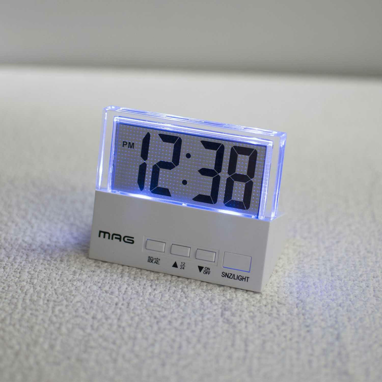 ≪メーカー直販≫ MAG(マグ) デジタル ミニ 電波時計 置時計 目覚まし時計 ライト付き クリアタイム T-762 ホワイト 1台  小さい 狭い 寝室 書斎 棚 シンプル 見やすい